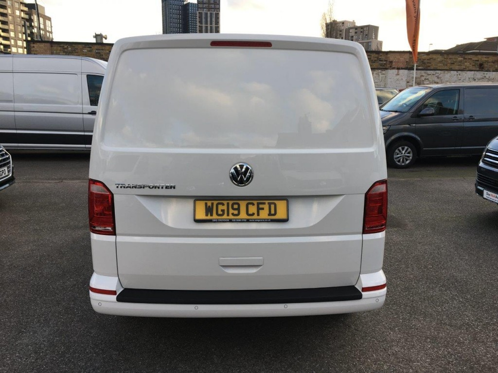 Gallery Image of T28 PV 2.0TDi 102PS EU6 BMT SWB Highline Tailgate